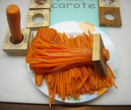 Carote alla julienne di mario puntarelle roma carote for Taglio alla julienne